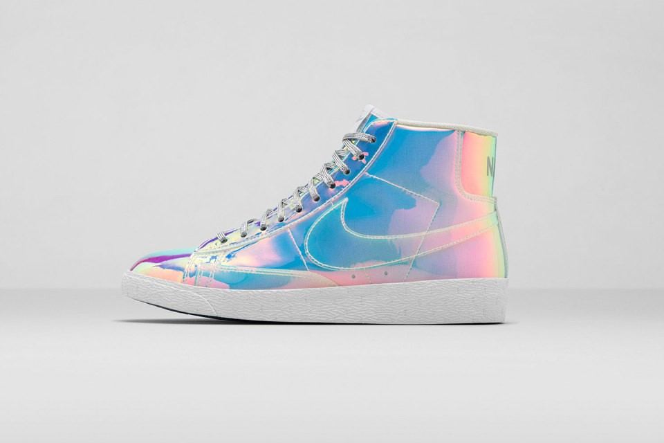 Nike WMNS Blazer Mid Premium QS Iridescent Womens High Top Sneakers