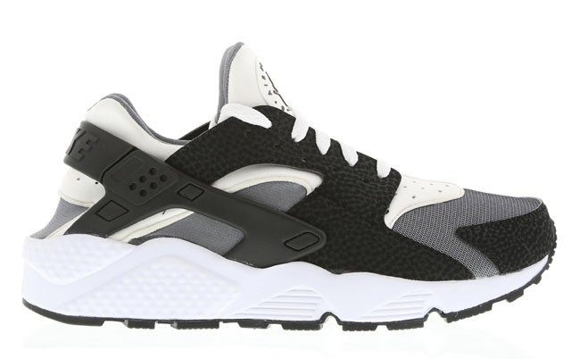 Nike WMNS Air Huarache Black White/Pure Platinum Womens Shoe
