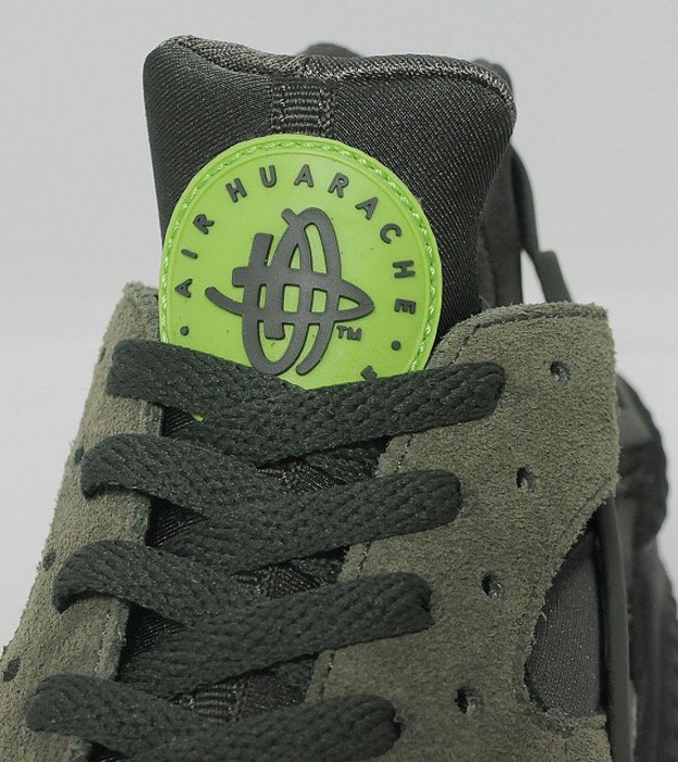 Nike WMNS Air Huarache Suede Cargo Green Khaki/Sequoia Womens Trainers