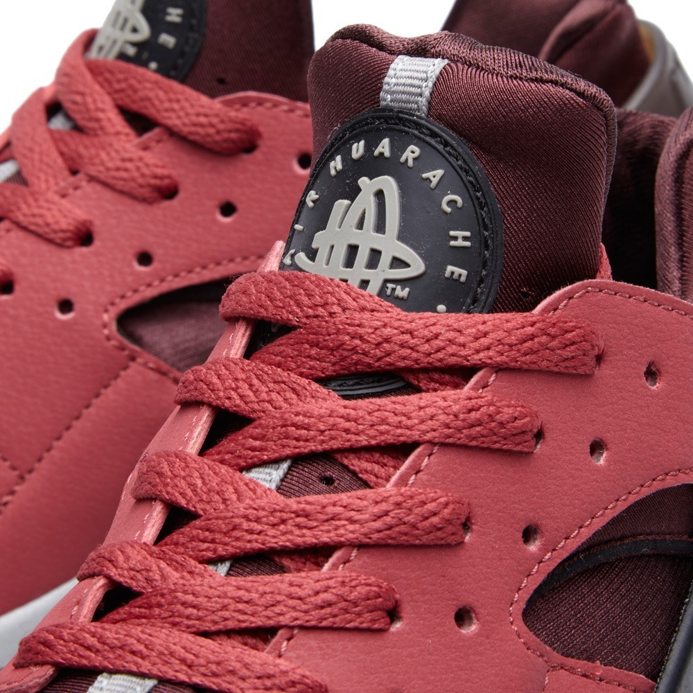 Nike WMNS Air Huarache 318429-601 Cedar Black/Deep Burgundy Womens Shoe