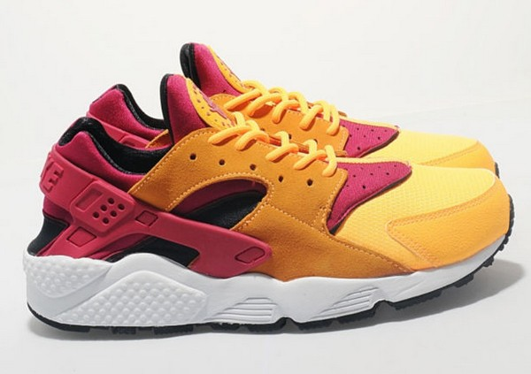 Nike WMNS Air Huarache Laser Orange Womens Running Shoes