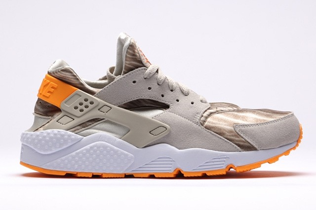 Nike WMNS Air Huarache Run Desert Sand Womens Shoe