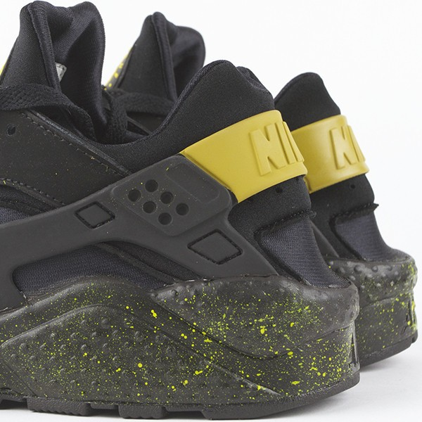 Nike Air Huarache LE Tour Black Yellow Men's Shoe