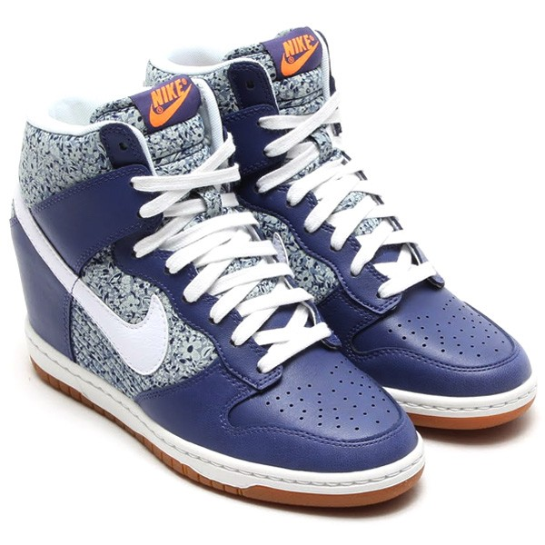 c3e3327d9f81 Nike WMNS Dunk Sky Hi Liberty (of London) Floral Print 529040-400 Blue  Recall White Linen Women s Hidden Wedge Sneaker Shoe