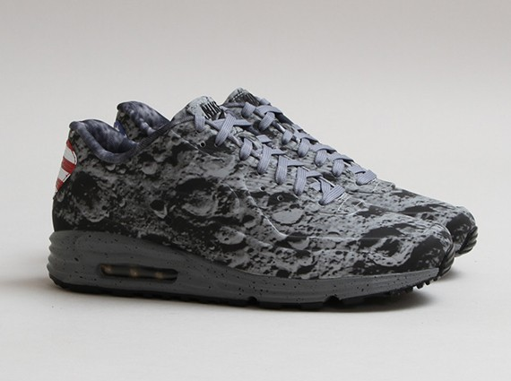 Nike Air Max Lunar90 Sp 'Moon Landing' (Moonwalker) Apollo 11 700098-007 Reflective Silver Metallic Gold/Reflect Silver Shoes