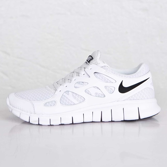 separation shoes 80e65 6567b Nike Free Run 2 Nsw Running Shoes