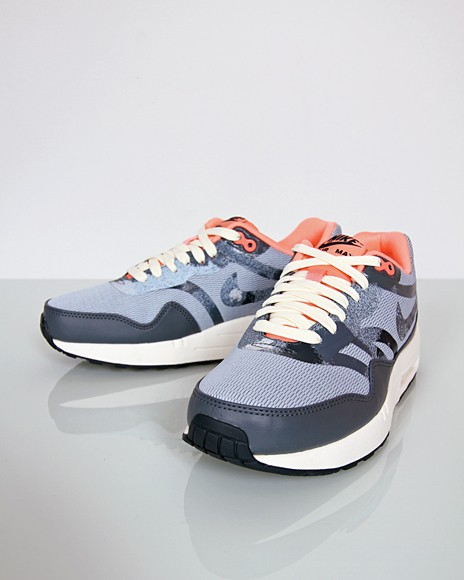 Nike WMNS Air Max 1 Comfort Premium Tape Armory Blue Atomic Pink Women's Sneakers