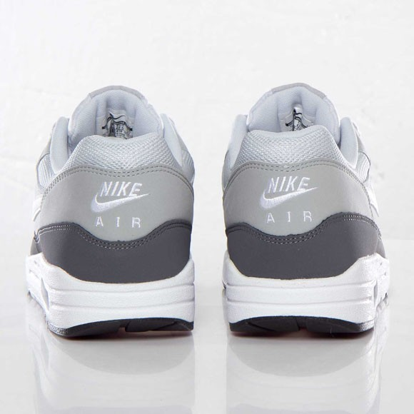 Nike Air Max 1 Essential Silver White Mens Running Shoes