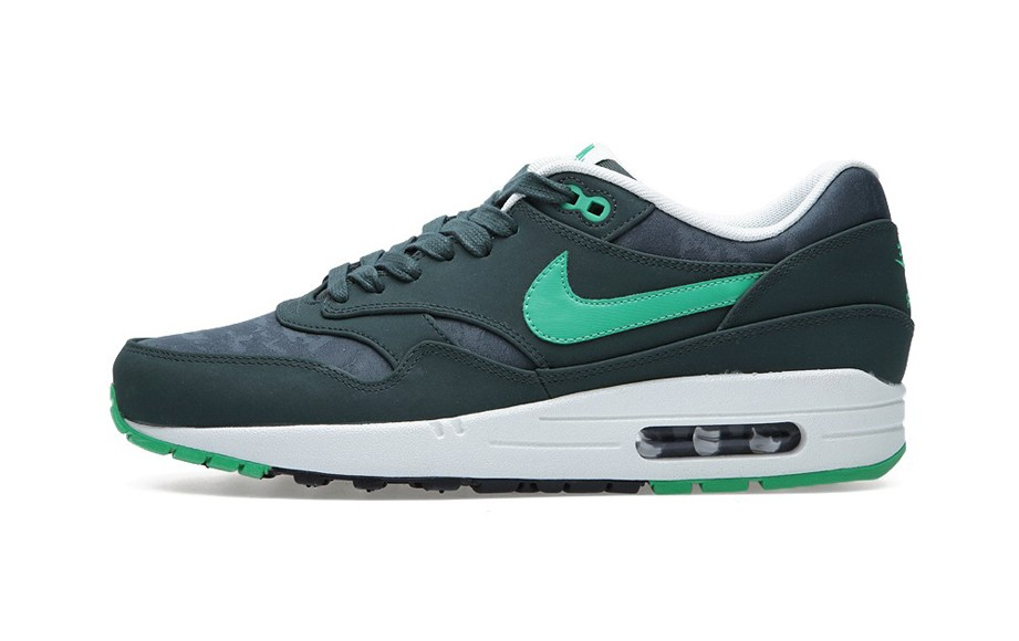 Nike Air Max 1 Premium Vintage Green Gamma Green Black Sail Camouflage Men's Casual Running Shoe