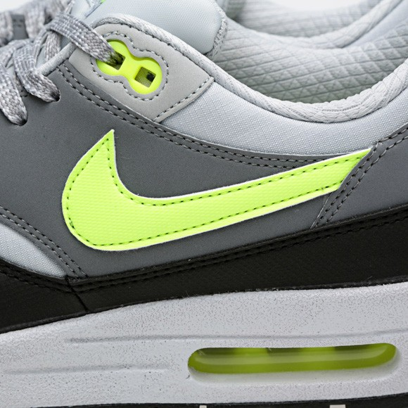 Nike Air Max 1 Essential Dusty Grey Volt Mens Running Shoes