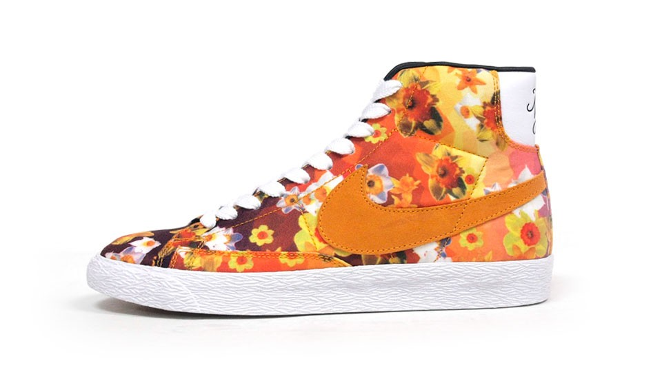 Nike Blazer Mid Premium Vintage QS Flower Print 638322-901 Orange White  Multicolor Sneakers