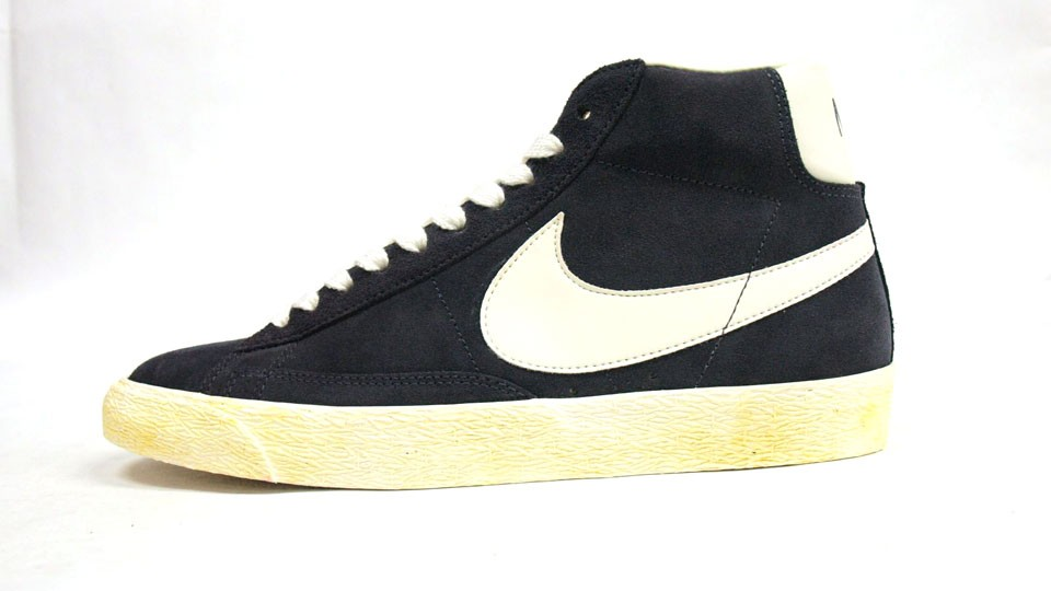 Nike WMNS Blazer High Suede Vintage 344344-001 Fade Navy White Womens Laced Trainers