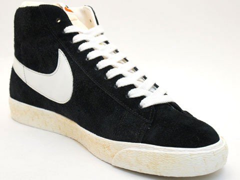 Nike WMNS Blazer High Vintage 375722-001 Black White Womens Laced Trainers