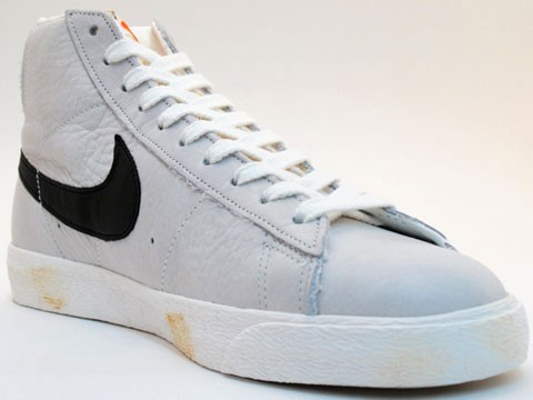 Nike WMNS Blazer High Vintage 375722-101 Grey Black Womens Laced Trainers