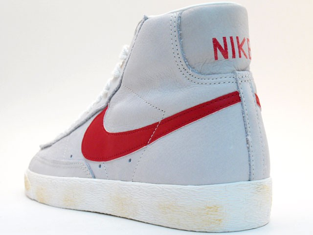 Nike WMNS Blazer High Vintage 375722-161 Grey Red Womens Laced Trainers