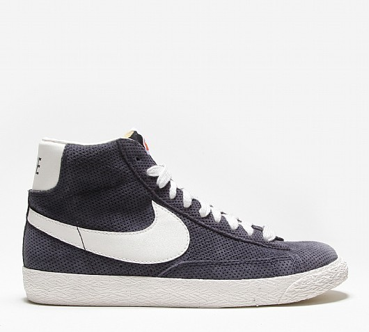 Nike WMNS Blazer Mid Perforated Dark Navy Sail White Womens High Top Trainers