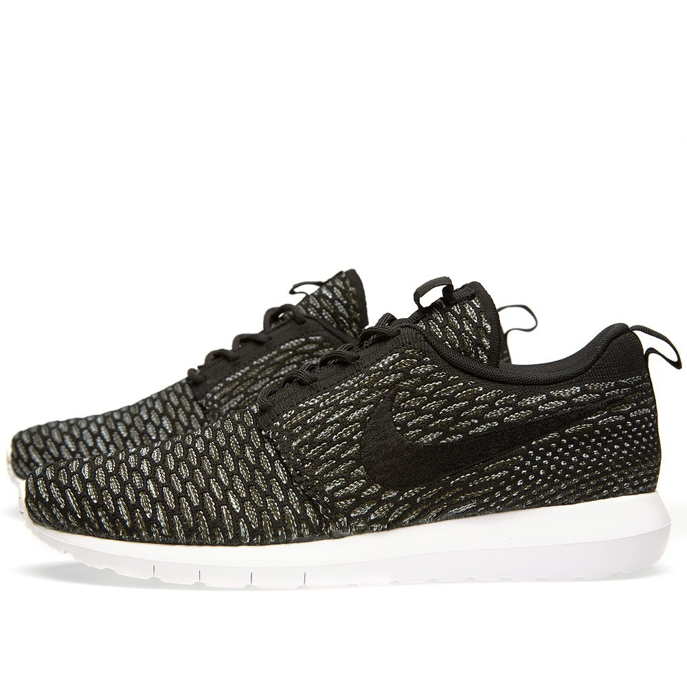 price 62 nike roshe run flyknit nm 677243 003 black. Black Bedroom Furniture Sets. Home Design Ideas