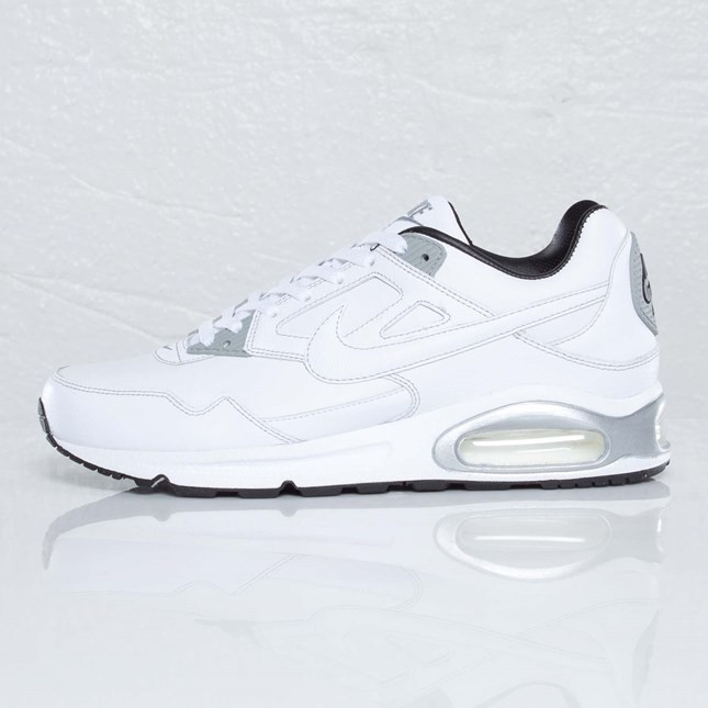 Nike Air Max Skyline Leather Trainers Mens and Womens 409999-100 White Metallic Silver Black