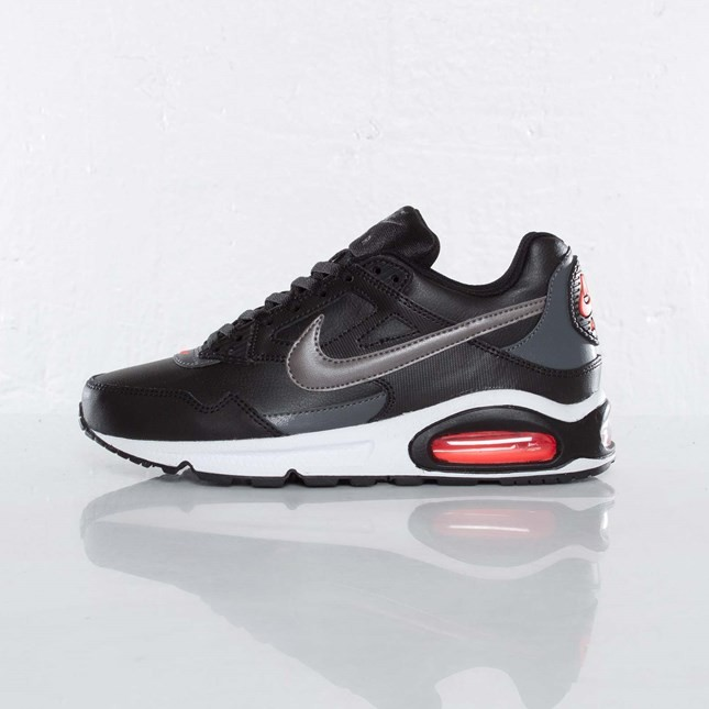 Nike Air Max Skyline (Gs) 366826-023 Black Metallic Dark Grey Black White Junior Running Shoes