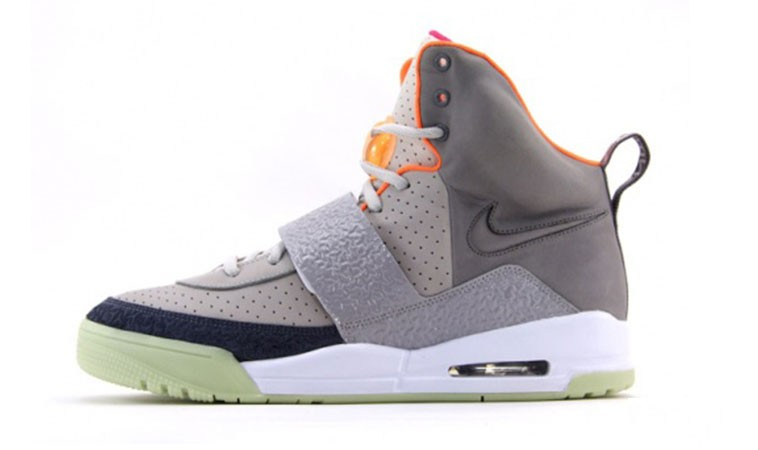 Nike Air Yeezy 1 Colorways 366163-002 Zen Grey Light Charcoal Shoes Glow in the Dark