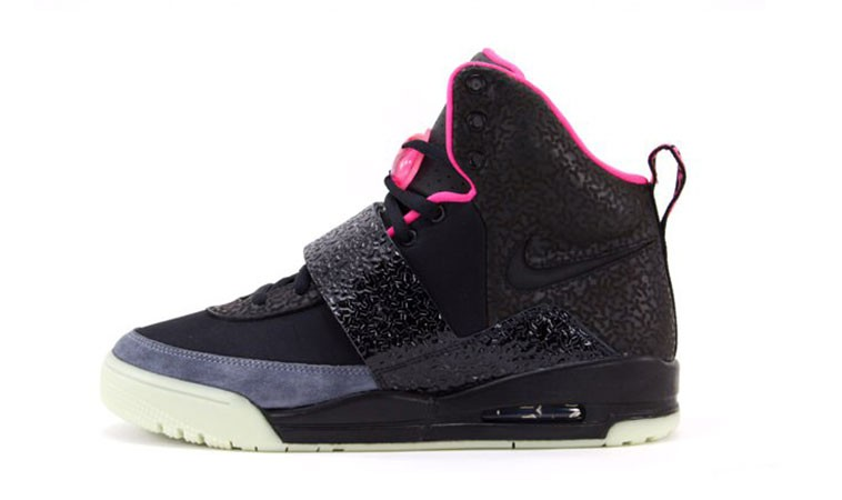 Nike Air Yeezy 1 Colorways 366164 003 Black Black Pink (Blinks) Shoes Glow in the Dark